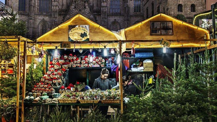 plan navidad barcelona mercado santa llucia